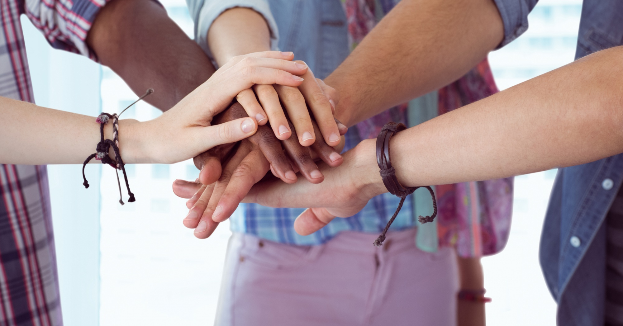 How To Keep Virtual Teams Engaged: Encourage Team Building Events